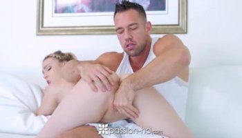 Teen slut and stepmom crazy 3way session in the bedroom